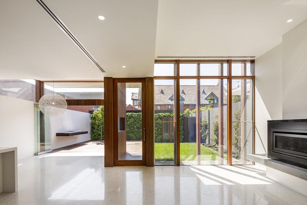 Sala-con-ventana-grande